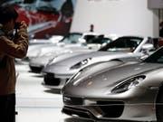 Porsche steigert die Auslieferungen im dritten Quartal deutlich. (Bild: KEYSTONE/EPA/IAN LANGSDON)