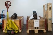 Skulpturen aus der Kunstsammlung des Bundes, die insgesamt 21000 Objekte umfasst. Die Lagerung von Kunst wird immer mehr zum Problem. (Bild: Alessandro della Valle/Keystone)