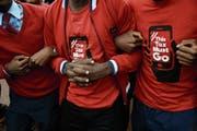 In der Landeshauptstadt Kumpala protestierten Ugander gegen die neue Steuer auf den Gebrauch von sozialen Medien. (Bild: Isaac Kasamani/AFP (11. Juli 2018))
