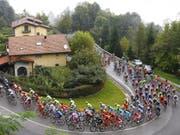 Einer von sechs Anstiegen: An der Lombardei-Rundfahrt müssen die Fahrer insgesamt 4000 Höhenmeter bewältigen (Bild: KEYSTONE/EPA ANSA/CLAUDIO PERI)