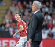 Stephan Lichtsteiner (links): Spielt er in den Plänen des Nationaltrainers noch eine Rolle? (Bild: Toto Marti/Freshfocus (Leicester, 11. September 2018))