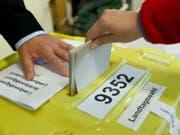 In Bayern hat die Landtagswahl begonnen - deren Ergebnis könnte auch Auswirkungen auf die deutsche Politik insgesamt haben. (Bild: Keystone/DPA/DANIEL KARMANN)
