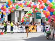 Fabienne Schlumpf ist auch auf der Strasse schnell unterwegs (Bild: KEYSTONE/ANTHONY ANEX)