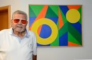 Der einstige Journalist und Jazzmusiker Paul Libsig, der in Sennwald wohnt, stellt bis Anfang Januar 2019 geometrische Bild-Kompositionen mit Acrylfarben im Rathaus Frümsen aus. (Bild: Hansruedi Rohrer)