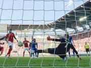 So einfach wie beim 6:0 Anfang September in St. Gallen dürfte es für die Schweizer Nationalmannschaft heute Abend in Island nicht werden (Bild: KEYSTONE/PETER SCHNEIDER)