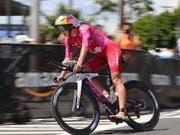 Daniela Ryf auf dem Weg zu ihrem vierten Triumph beim Ironman Hawaii (Bild: KEYSTONE/EPA/BRUCE OMORI)