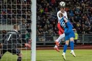Haris Seferovic brachte die Schweiz mit seinem Kopfballtreffer auf die Siegerstrasse. Bild: Toto Marti/Freshfocus (Reykjavik, 15. Oktober 2018)