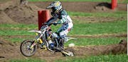 Levis Reichmuth auf seinem 50-ccm-Motorrad. (Bild: PD)