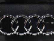 Audi zahlt hohe Busse wegen Manipulation von Dieselmotoren. (Bild: KEYSTONE/AP/CHRISTOPHE ENA)