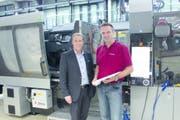 Noventa-Chef Patrick Besserer (links) und Produktionsleiter Mario Loher am Hauptsitz in Diepoldsau. (Bild: PD)