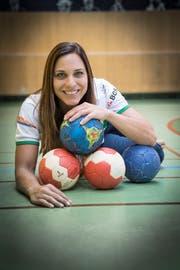 Karin Weigelt hat 127 Partien für das Nationalteam bestritten. Damit gehört sie zur Spitze der ewigen Bestenliste der Frauen. Die 34-jährige St. Gallerin sagt: «Im Alter von 18 Jahren hätte ich mir nie vorstellen können, dass ich eine solch lange und erfolgreiche Karriere erleben würde.» (Bilder: Ralph Ribi)
