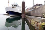 Ein Kursschiff am Rorschacher Hafen. Hier benutzen die Kapitäne das Signalhornb besonders oft. (Bild: Rudolf Hirtl)