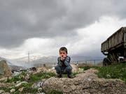 Gemäss einer Untersuchung der Organisation für wirtschaftliche Zusammenarbeit und Entwicklung (OECD) ist jedes siebte Kind in den OECD-Mitgliedstaaten von Armut betroffen (Bild: KEYSTONE/AP/SERGEI GRITS)