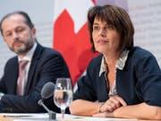 Der Bundesrat will den Strommarkt vollständig liberalisieren. Energieministerin Doris Leuthard hat vor den Medien erklärt, was sie sich davon verspricht. (Bild: KEYSTONE/ANTHONY ANEX)