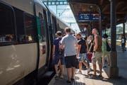 Ein Intercity im Bahnhof Gossau. (Bild: Benjamin Manser - 3. August 2018)