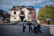 Das abgebrannte Restaurant Sonne, am Sonntag, 7. Oktober 2018, in Oberriet. (Bild: Benjamin Manser)