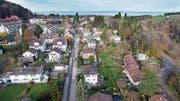 Ein möglicher Grund für eine Fusion ist, dass zwei Gemeinden baulich zusammengewachsen sind. Im Bruggwald-Quartier zwischen St.Gallen und Wittenbach wäre das heute der Fall. (Bild: Ralph Ribi (23. November 2017))