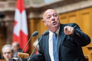Der Aargauer SVP-Nationalrat Ulrich Giezendanner bringt mit Guido Graf einen neuen Namen ins Kandidaten-Karussell. (Bild: KEYSTONE/Alessandro della Valle)