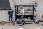 Für viele Berufe des Baugewerbes, im Bild die Ebikoner Baufirma Schmid, besteht Stellenmeldepflicht. (Bild: Nadia Schärl, Ebikon, 2. Oktober 2018)