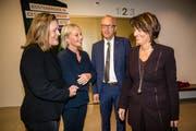 Die CVP-Kandidaten Heidi Z'graggen, Elisabeth Schneider-Schneiter und Peter Hegglin (von links) mit Noch-Bundesrätin Doris Leuthard. (Bild: Philipp Schmidli (Luzern, 20.Oktober 2018))