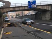 Zum Unfall kam es auf der General-Guisan-Strasse in Zug. (Bild: Zuger Polizei)