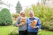 Das Gallipaar 2019: Irène und René Flad zu Hause in Kriens. Bild: Roger Grütter (20. Oktober 2018)