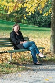Aus der Schweiz nach Irland: Dort hat Gabrielle Alioth «Narrenfreiheit» beim Schreiben. (Bild: Silvia Wiegers)