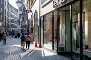 Blick in die Weggisgasse: Sie könnte künftig in der Tourismuszone liege. (Bild: Nadia Schärli (Luzern, 22. Oktober 2018))