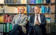Martin Costa, Klinikdirektor, und Andreas Hebeisen, Anwalt, nahmen in Kreuzlingen Stellung zu den Vorwürfen der Staatsanwaltschaft. (Bild: Andrea Stalder)