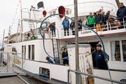 Legt vorläufig zum letzten Mal in Luzern an: Das Dampfschiff «Stadt Luzern» Bild: Corinne Glanzmann (Luzern, 21. Oktober 2018)