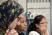 Teilnehmerinnen eines Sprachkurses, der seit fünf Semestern beim städtischen Amt für Gesellschaft und Integration läuft. (Bild: Mathias Frei)