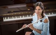 Schlagersängerin und Querflötistin Sabrina Sauder unterstützt die Brass Bands Erlen und Märwil an ihren Konzerten. (Bild: Reto Martin)