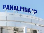 Der Transport- und Logistikkonzern Panalpina hat im dritten Quartal einen Gewinneinbruch erlitten. (Bild: KEYSTONE/CHRISTIAN BEUTLER)