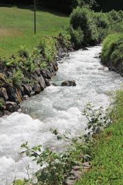 Das Wasser des Alpbachs im Erstfeldertal soll für die Stromproduktion genutzt werden. (Bild: Paul Gwerder (Erstfeld, 26. März 2018))