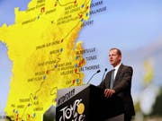 TdF-Direktor Christian Prudhomme präsentiert die Tour de France 2019 (Bild: KEYSTONE/EPA/YOAN VALAT)