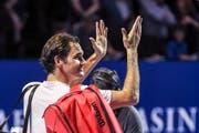 Federer entspannt (Bild: Daniela Frutiger/freshfocus)