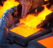 Blick in eine Kupferschmelze von Glencore in Chile (Bild: PD)