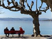 Schweizerinnen und Schweizer können sich in Europa der höchsten Lebenserwartung erfreuen. Schweizweit am längsten leben im Schnitt die Tessiner. (Bild: KEYSTONE/GAETAN BALLY)
