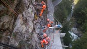 Felssicherungsarbeiten an der Bristenstrasse. (Bild: PD)