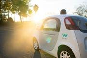 Eines der «Firefly» genannten selbstfahrenden Konzeptautos der Google-Schwesterfirma Waymo. (Bild: PD)