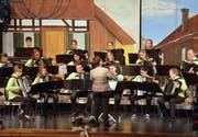 Breites Repertoire: Seit Anfang Jahr steht der Handharmonika Spielring Sirnach unter der musikalischen Leitung von Nicole Schättin. (Bild: Christoph Heer)