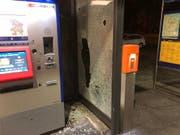 Sachschaden am Bahnhof Winkeln (Bild: Stapo SG)