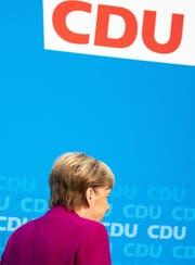 Angela Merkel kündigte gestern ihren Rücktritt aus der Politik auf 2021 an. (Bild: Omer Messinger/EPA)