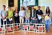 Das Siegerbild (von links): Lars Wicki, Cédric Renggli, Jenny Bossert, Livio Erni, Jens Weisskopf, Robin Schnider, Silvan Kronenberg und Noëlle Bösch. (Bild:PD)