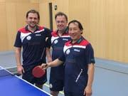 Erfolgreiche Baarer: Wadim Hurlebaus, Rolf Nölkes und Ding Yi (von links). (Bild: PD)