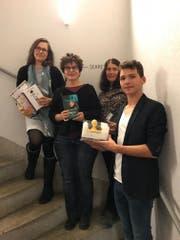 Andrea Wolf, Alice Gabathuler, Pia Holenstein und Josia Jourdan (von links) bei der Preisverleihung. (Bild: PD)