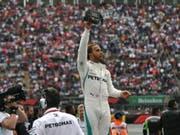 Lewis Hamilton: Als fünffacher Weltmeister lässt sich gut feiern (Bild: KEYSTONE/EPA EFE/MIGUEL SIERRA)