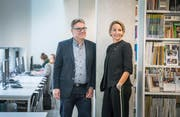 In der Bibliothek der PHTG in Kreuzlingen: Matthias Fuchs und Katrin Seiter. (Bild: Andrea Stalder)
