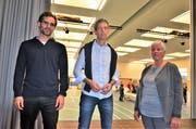 Projektleiter Jean-Brice de Bary, Baukommissionspräsident Christoph Egli, Schulpräsidentin Margrith Schrepfer. (Bild: Max Eichenberger)