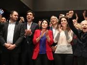 Die frühere Aussenministerin Salome Surabischwili (Mitte) könnte die erste Präsidentin Georgiens werden. (Bild: KEYSTONE/EPA/ZURAB KURTSIKIDZE)